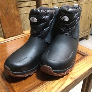 The north face yukiona ankle winter boot